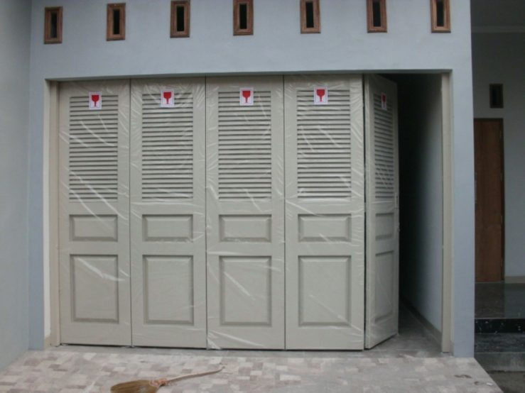 harga pintu garasi